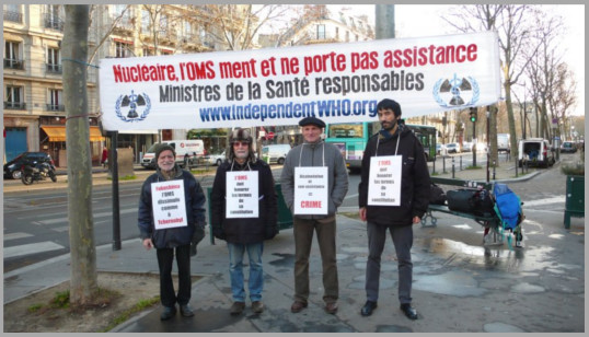 Les vigies devant le ministère de la santé – Paris – Décembre 2013