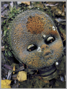 La poupée atomique abandonnée au Jardin d'enfants de Pripiat - Tchernobyl - Ukraine