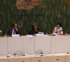 Au centre, Ruth Stegassy, productrice de l'émission Terre à Terre sur France Culture, a assuré l'animation  de ce forum