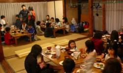 福島の子供たち向けの非汚染地域での保養キャンプ