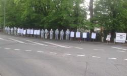 Конец пикета IndependentWHO в Женеве и в Париже